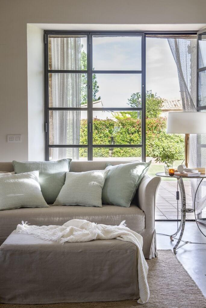 Sofá en puro lino natural beige