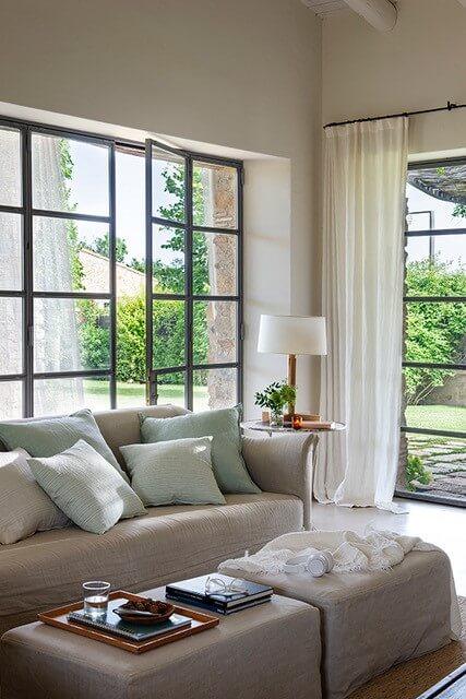 Sofá beige en puro lino natural