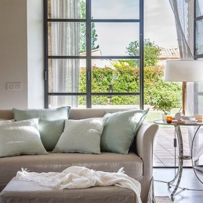 Sofá en puro lino natural