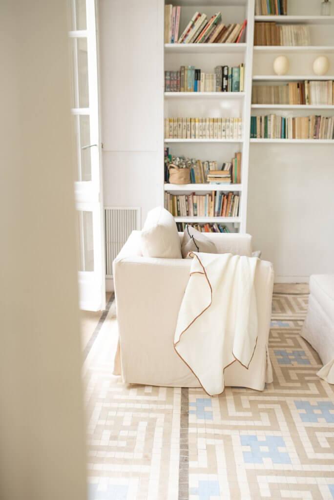 Decorar rincón con sillón