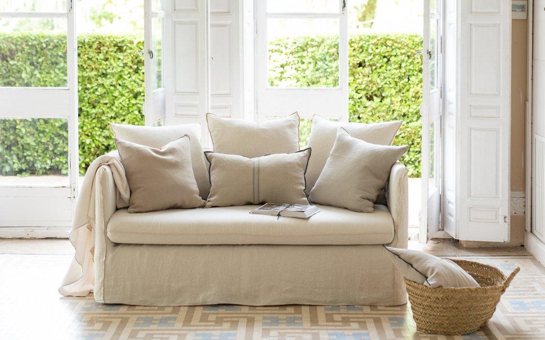 Sofá blanco y beige de lino Cojines decorativos color arena